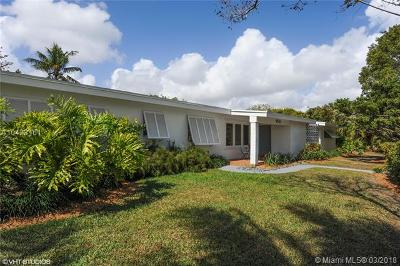 Pinecrest Single Family Home For Sale: 12500 SW 74 Avenue