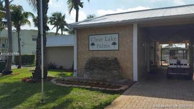 West Palm Beach Condo For Sale: 421 Executive Center Dr #104