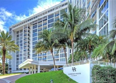 Bal Harbour Condo For Sale: 10275 Collins Ave #226