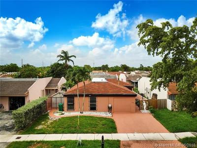 Miami Single Family Home For Sale: 11551 SW 83rd Ter