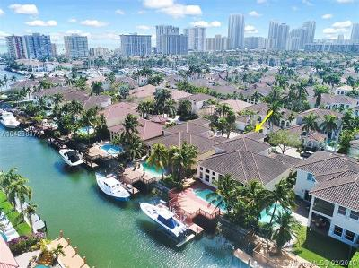 Three Islands 3rd Sec, Three Islands 3rd Section, Three Islands 3rd, Harbor Island, Harbor Islands Single Family Home For Sale: 923 Captiva Dr