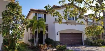 Doral Single Family Home For Sale: 11530 NW 87th Ln