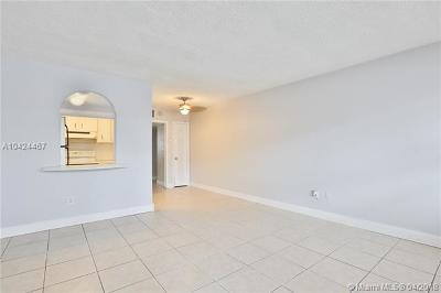 Miami-Dade County Condo For Sale: 926 Michigan Ave #14