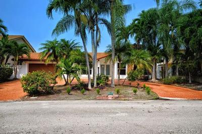 Miami-Dade County Single Family Home For Sale: 16466 NE 31st Ave