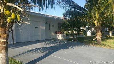 Tamarac Single Family Home For Sale: 7113 NW 73rd St