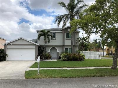 Miramar Single Family Home For Sale: 2721 Madison Way