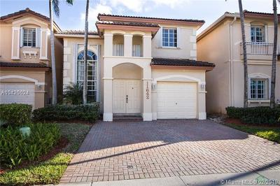 Doral Single Family Home For Sale: 11642 NW 69th Ter