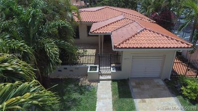 Coral Gables Single Family Home For Sale: 812 Granada Groves Ct