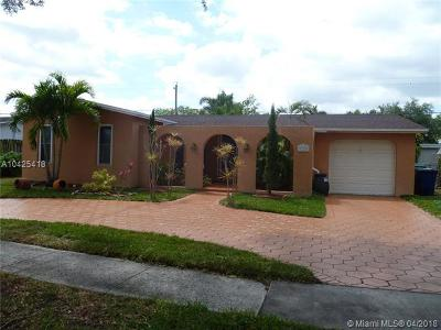 Cooper City Single Family Home For Sale: 9220 SW 55th St