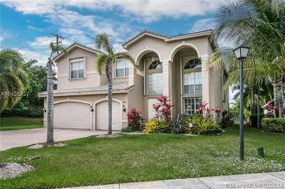Sunset Lakes, Sunset Lakes Estates, Sunset Lakes One 164-34 B, Sunset Lakes Parcel D At, Sunset Lakes Plat One, Sunset Lakes Plat Three, Sunset Lakes Plat Three 1, Sunset Lakes Three, Sunset Lakes Two 166-24 B Single Family Home For Sale: 5498 SW 195th Ter