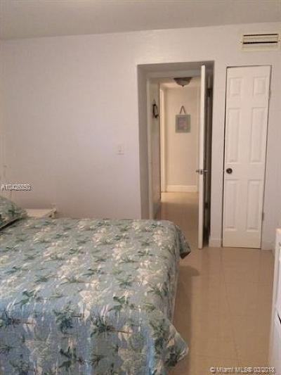 Miami Beach Condo For Sale: 6444 Collins Ave #202