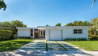 North Miami Single Family Home For Sale: 13190 Biscayne Bay Ter