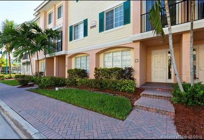 Delray Beach Condo For Sale: 240 NE 2nd St #6-C