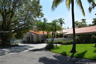 Miami Lakes Single Family Home For Sale: 15901 Aberdeen Way