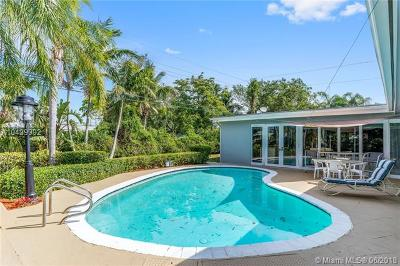 Palmetto Bay Single Family Home For Sale: 8425 SW 143rd St