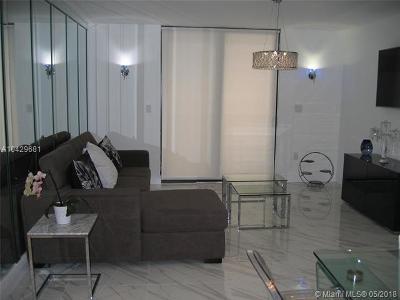 Miami Beach Condo For Sale: 1621 Collins Ave #704