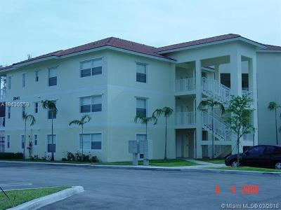 Coral Springs Condo For Sale: 2941 Riverside Dr #308