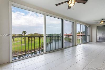 Boca Raton Condo For Sale: 17047 Boca Club Blvd #143A