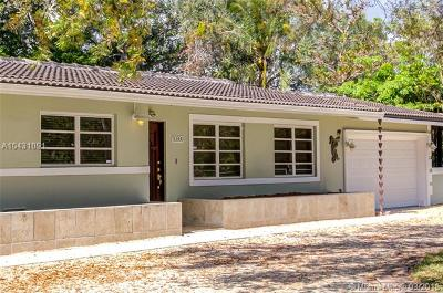 Pinecrest Single Family Home For Sale: 10500 SW 72nd Ave