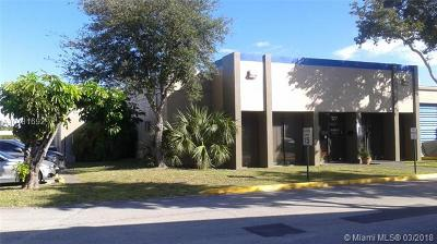 North Miami beach Commercial For Sale: NE 10