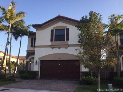 Doral Single Family Home For Sale: 10012 NW 87th Ter
