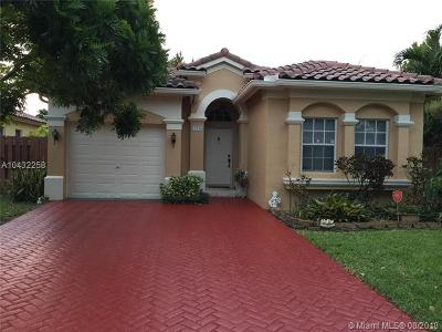 Miramar Single Family Home For Sale: 13730 SW 49th Ct