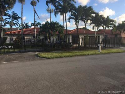 Miami Single Family Home For Sale: 9220 SW 70th St