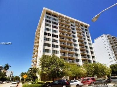 Miami Beach Condo For Sale: 1345 Lincoln Rd #1005