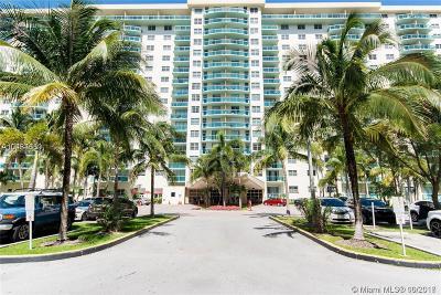 Sunny Isles Beach Condo For Sale: 19390 Collins Ave #1008