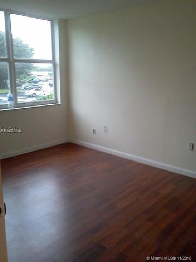 Davie Condo For Sale: 9451 Evergreen Pl #207
