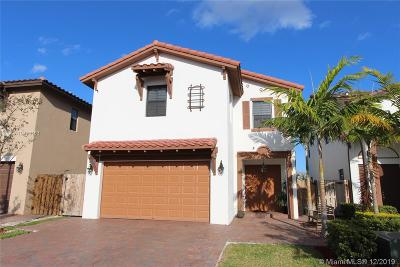 Doral Single Family Home For Sale: 8635 NW 102nd Ct