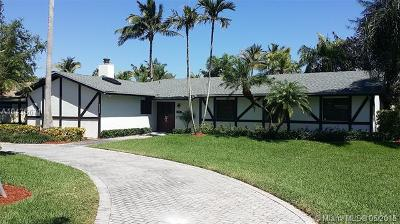 Coral Gables Single Family Home For Sale: 14601 Snapper Dr