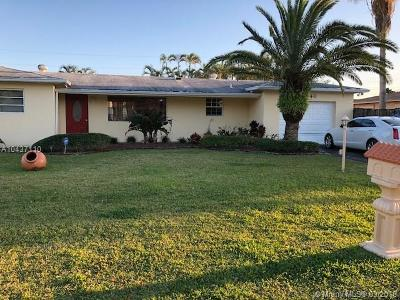 Pembroke Pines Single Family Home For Sale: 6840 SW 16th Ct