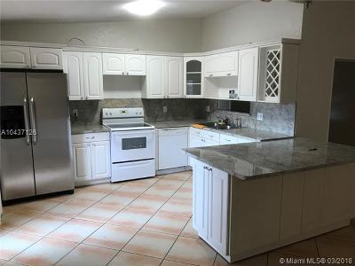 Miami FL Single Family Home For Sale: $395,000