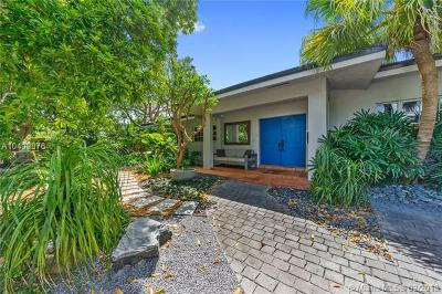 Key Biscayne Single Family Home For Sale: 210 Greenwood Dr