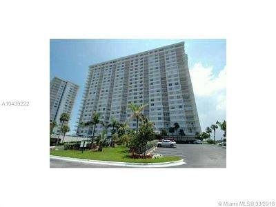 Sunny Isles Beach Condo For Sale: 500 Bayview Dr #618