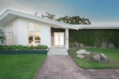 Coral Gables Single Family Home For Sale: 11001 Monfero St