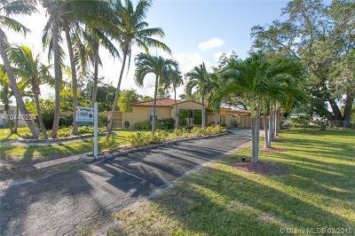 Miami FL Single Family Home For Sale: $425,000