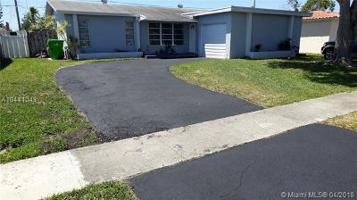 Sunrise Single Family Home For Sale: 10630 NW 27th Ct