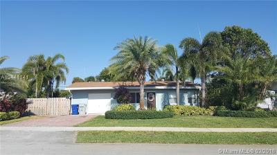 Pompano Beach Single Family Home For Sale: 2600 NE 11th Ter