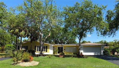 Palmetto Bay Single Family Home For Sale: 8121 SW 164 St