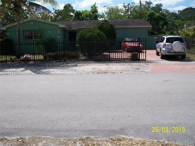 Miami FL Single Family Home Pending Sale: $180,000