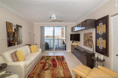 Sunny Isles Beach Condo For Sale: 17150 N Bay Rd #2507