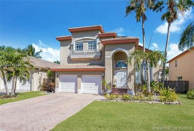 Doral Single Family Home For Sale: 9803 NW 30th St