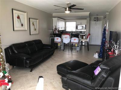 Pompano Beach Condo For Sale: 2700 W Golf Blvd #248