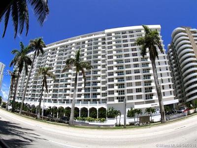 Miami Beach Condo For Sale: 5601 Collins Ave #PH-12