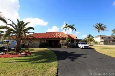 Miami Single Family Home For Sale: 13820 SW 38th St