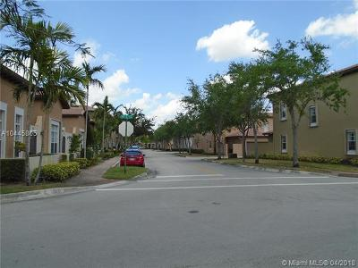Pembroke Pines Single Family Home For Sale: 14705 SW 7th St