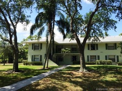 Palm Beach Gardens Condo For Sale: 1501 Sabal Ridge Cir #E