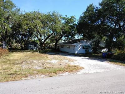 Miramar Multi Family Home For Sale: 6137 SW 35th St